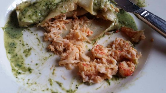 "Stafford, Βιρτζίνια: This dish is described on the menu as ""pasta stuffed with jumbo lump crab and Maine lobster"" ???"