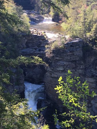 Linville Falls, นอร์ทแคโรไลนา: From above the falls