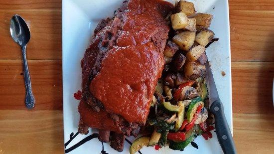 Warrenton, OR: Pork ribs, slathered with sauce