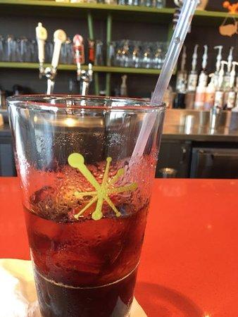Тастин, Калифорния: Soda in retro glass
