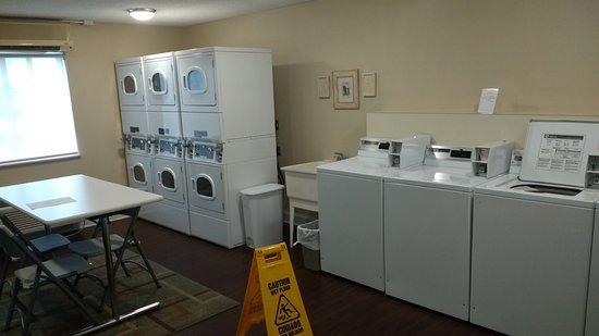 Jeffersontown, KY: Best Laundry facility I've seen