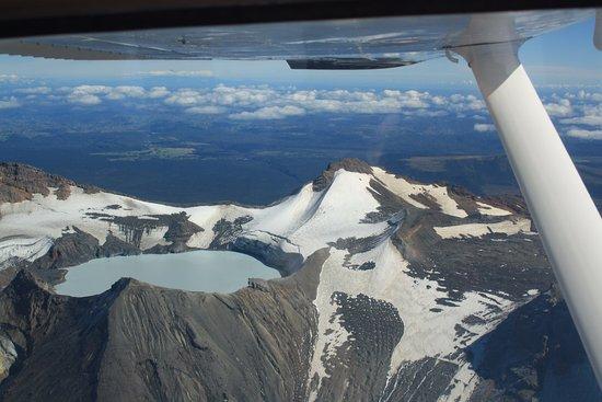 Mountain Air Scenic Flights Day Tour: Tongariro (1)