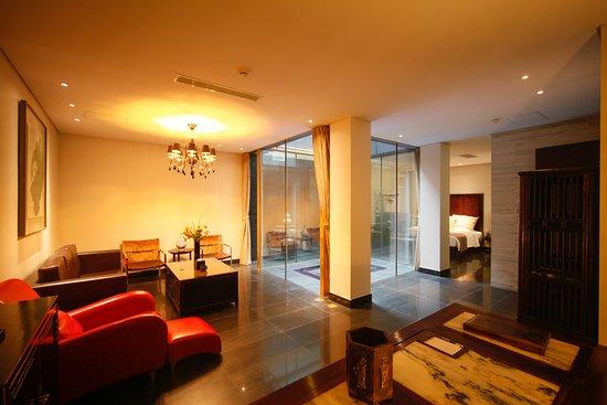 Interior - Picture of Shichahai Sandalwood Boutique Hotel, Beijing - Tripadvisor