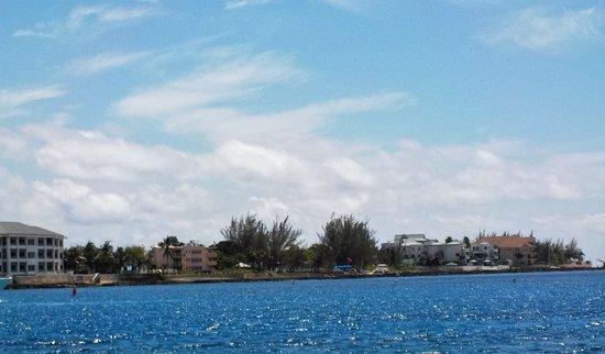 George Town, Wielki Kajman: Navigation douce sur les bas fonds