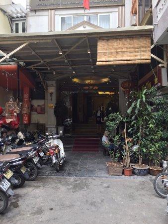 Hanoi Imperial Hotel: ホテルのエントランス