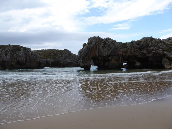Photo of Beach Playa de Cuevas del Mar at Nueva de Llanes 33592, Spain
