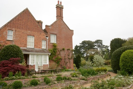The Red House: photo2.jpg