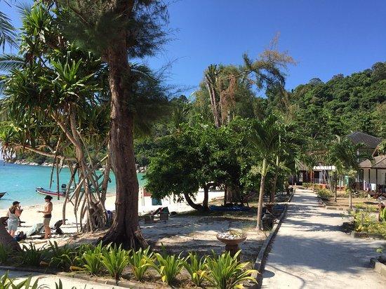 Avis Perhetian Island Resort