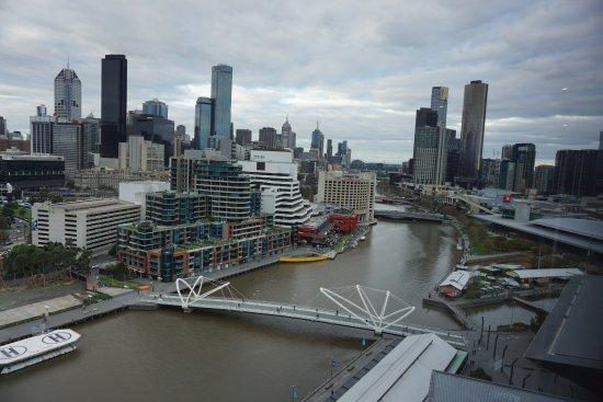 Hilton Melbourne South Wharf: ヤラ川