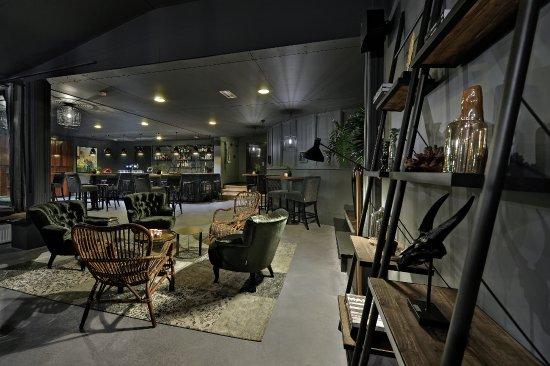 Oosterbeek, เนเธอร์แลนด์: Bistro Barbizon interieur foto van de lounge-bar, ingericht door moeder bedrijf BOCX Interiors