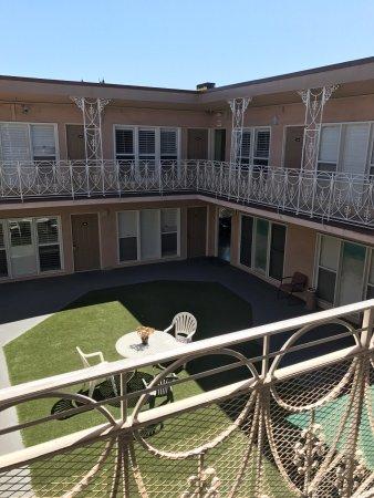 Bevonshire Lodge Motel: photo2.jpg