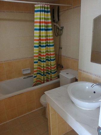 View Doi Mansion: 223032088_512586_large.jpg