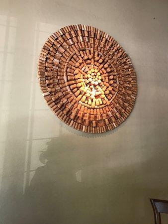 Trattoria Pastine : Decoração: Mandala de rolhas.