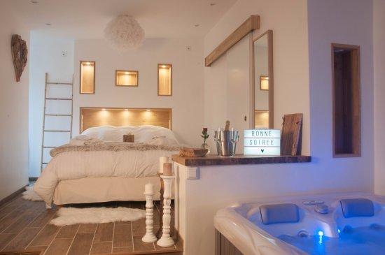 l 39 escapade romantique hotel dreuil l s amiens france voir les tarifs et 27 avis. Black Bedroom Furniture Sets. Home Design Ideas