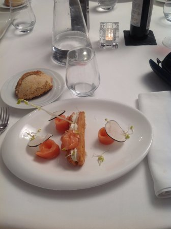 Верхняя Гаронна, Франция: Entrée au saumon