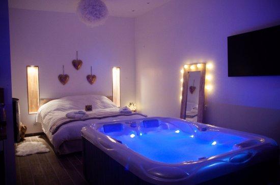 loft le cocon spa et sauna privatif photo de l 39 escapade romantique dreuil l s amiens. Black Bedroom Furniture Sets. Home Design Ideas