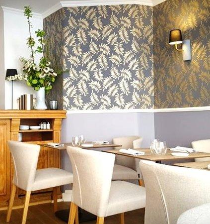 Restaurant Savarin  Rue De Bourgogne