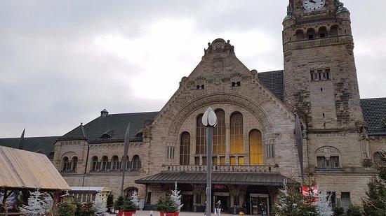 Gare de Metz-Ville: detalhe da fachada