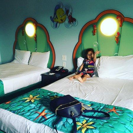 Lindo cuarto para niñas especialmente. - Picture of Disney\'s Art of ...