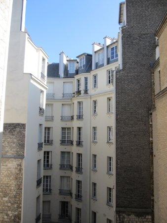 Hotel Eiffel Seine : こういう何気ない光景も好きなので、気に入ってました。