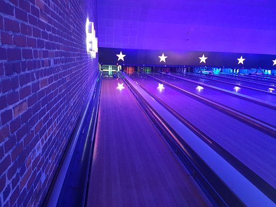 Hollywood Bowl Gunwharf Quays