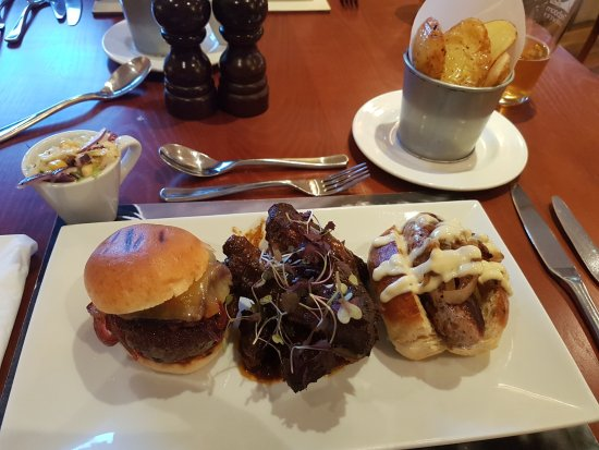 Coachman Inn: BBQ Combo