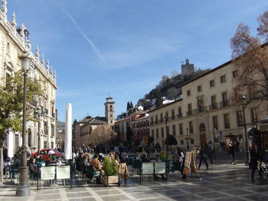 Plaza Nueva in Granada © Robert Bovington