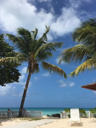 Antigua Village: Lovely staff, fantastic location and breathtaking views - just perfect!!