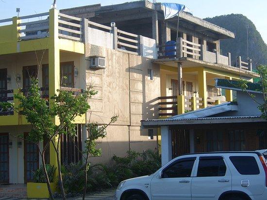 Residencia de Salvacion: Building site roof top