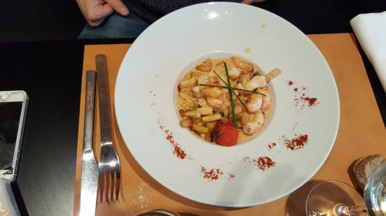 Charlieu, Francia: Repas de dimanche au bistrot gourmand un très agréable moment  Un cadre paisible un service soig