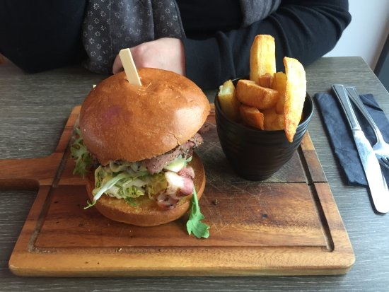 Willington, UK: New York deli burger