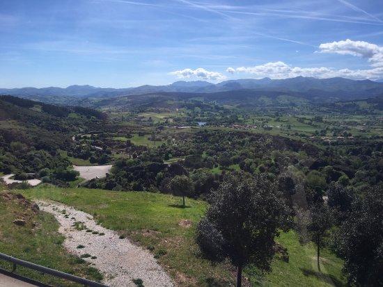 photo7.jpg - Picture of Parque de la Naturaleza de Cabarceno, Obregon - TripA...