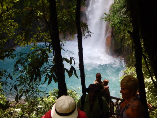 Rio Celeste Hideaway Hotel: Walking Tour to one of the Waterfall Lagoon