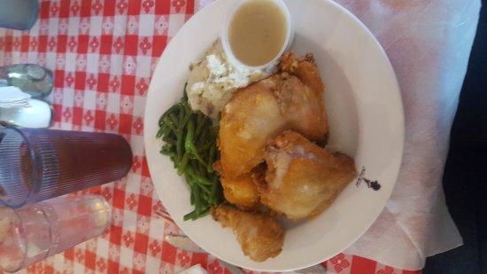 วิลโลว์บรูก, อิลลินอยส์: Chicken dinner