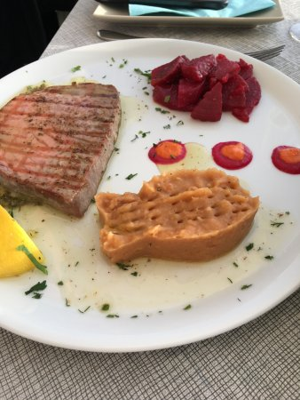 red tuna steak, garlic mashed potatoes and beetroot - delicious