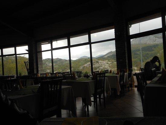 Verghereto, إيطاليا: Bel panorama dalla sala
