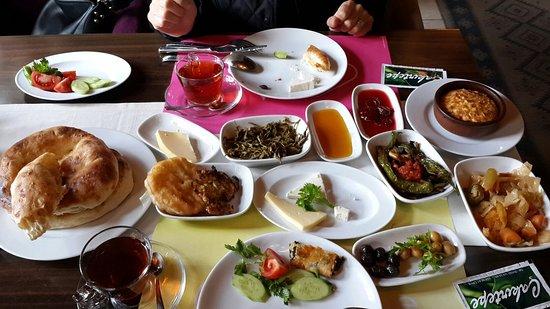 Unye, Turcja: Köy kahvaltısı harika