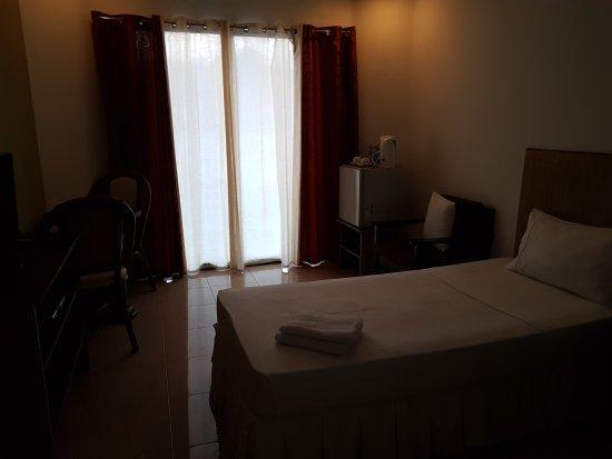 White Coral Hotel: 20170501_174028_large.jpg