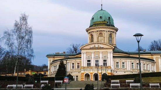 Ladek-Zdroj, بولندا: Widok z okna, marcowy :)