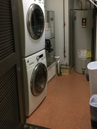 Absecon, NJ: Laundry in the room