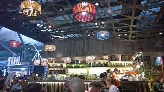 The restaurant bar picture of giraffe stansted for Food bar giraffe