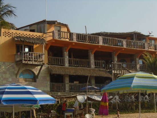 Paraiso Del Pescador: view of the hotel from the water