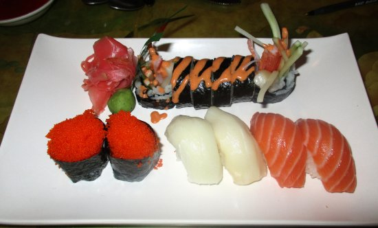 Kings Island: Assorted sushi