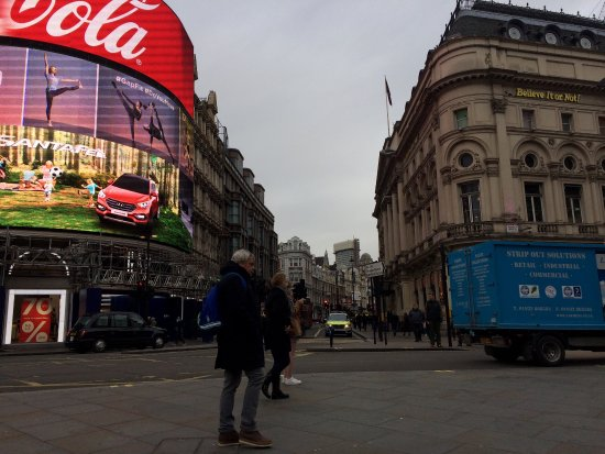 touring the piccadilly circus This luxury 5 star accessible hotel is located in an ideal london neighborhood  near piccadilly circus and trafalgar square the central london location as well .