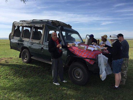 Donamasai Day Tours : breakfast in compagnia