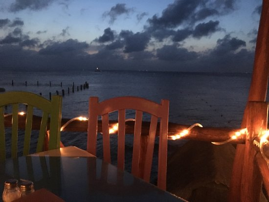 Blue Angel Restaurant: Dinner with a beautiful view and live acoustic musician