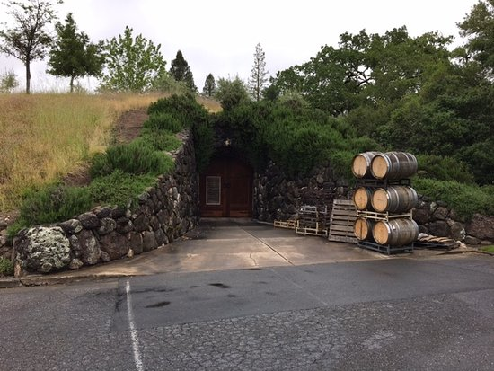 Healdsburg, CA: Entrace to Alexander Valley cave