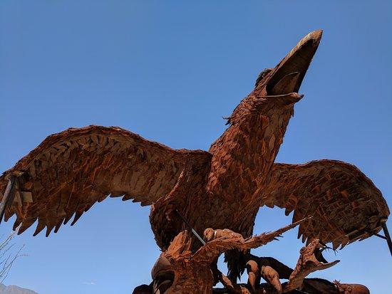 Galleta Meadows: Prehistoric bird on nest