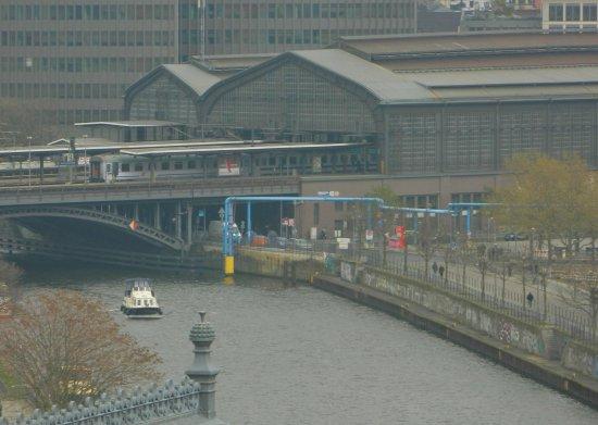 Reichstag building from k fer dachgarten restaurant for 22 river terrace building link
