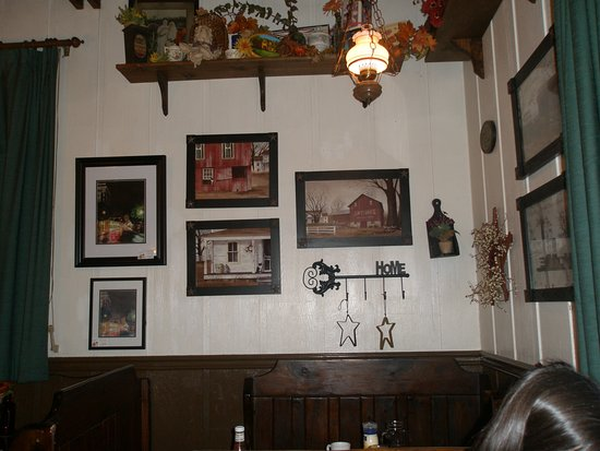 Dutch Pantry: Wall in dining room